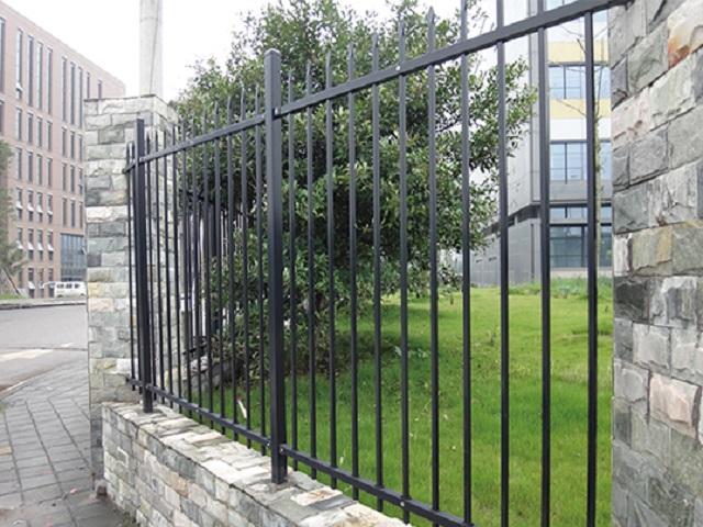 兴国两横杆锌钢护栏