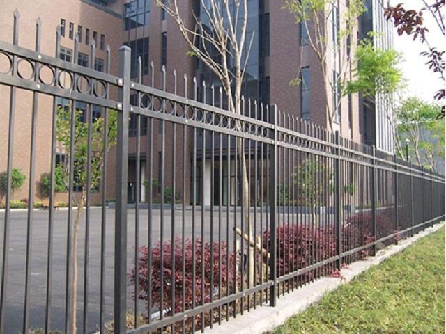 景德镇三横杆带圈锌钢护栏