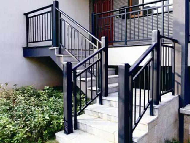 兴国锌钢楼梯扶手