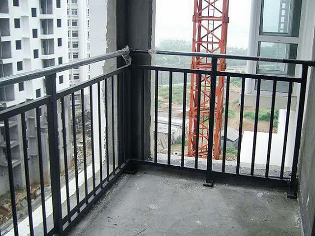 兴国锌钢阳台栏杆