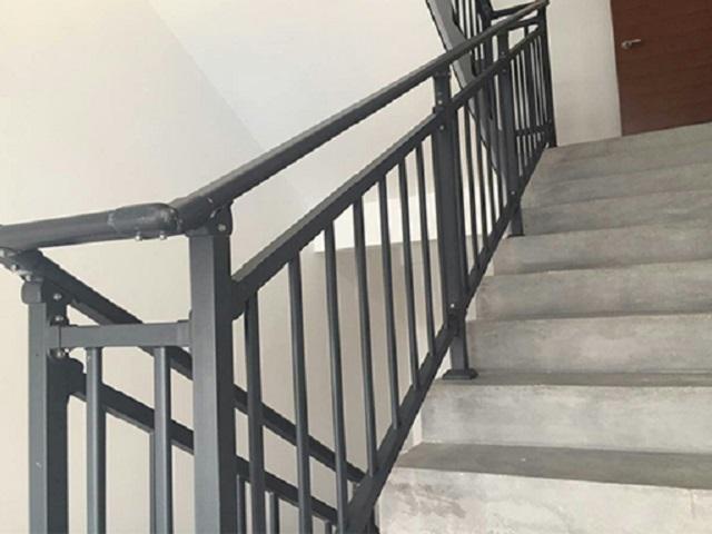兴国组装式锌钢楼梯扶手