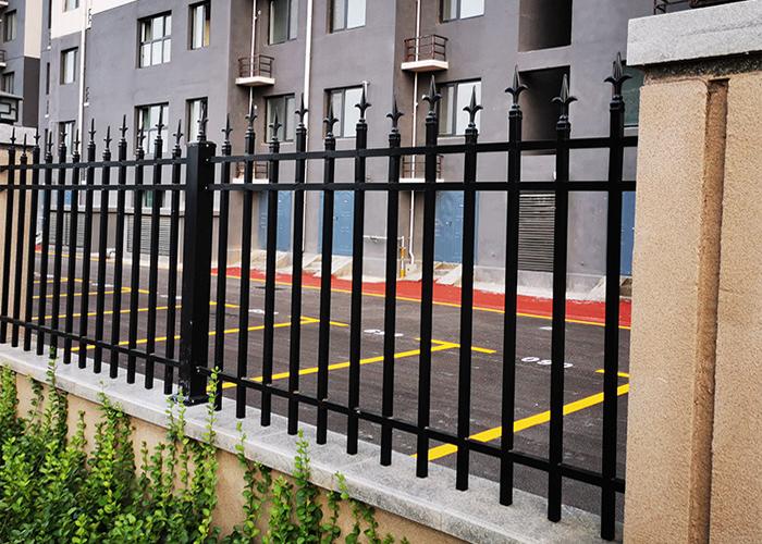 兴国小区锌钢围栏护栏工程案例